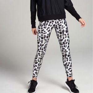 Like new Terez Snow Leopard leggings